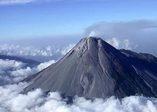 legenda gunung merapi